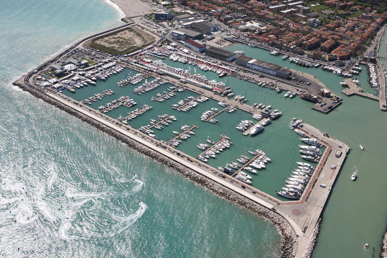 Porto turistico Marina dei Cesari