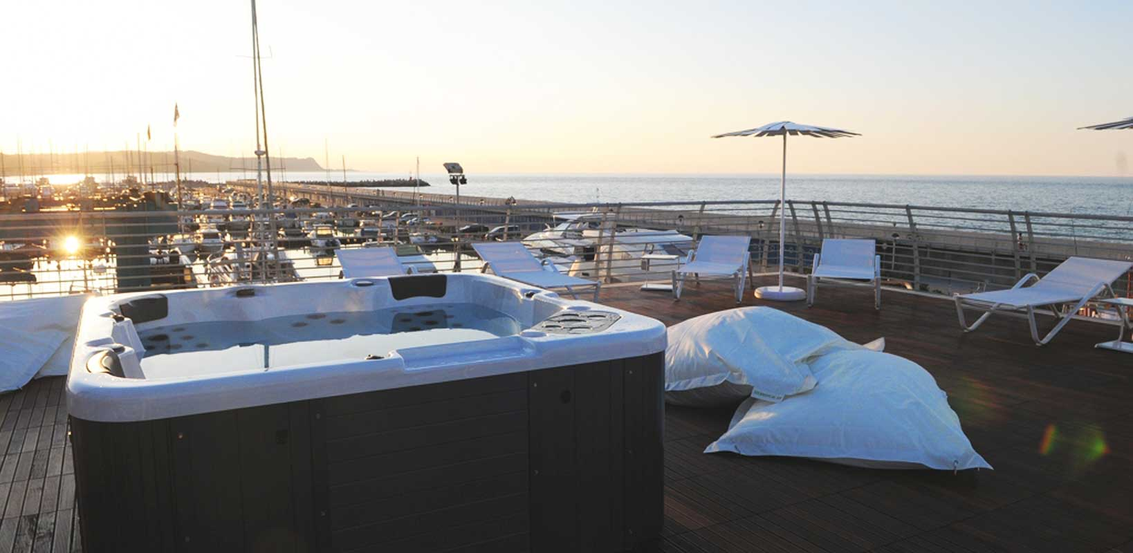 Yacht Club Roof Garden