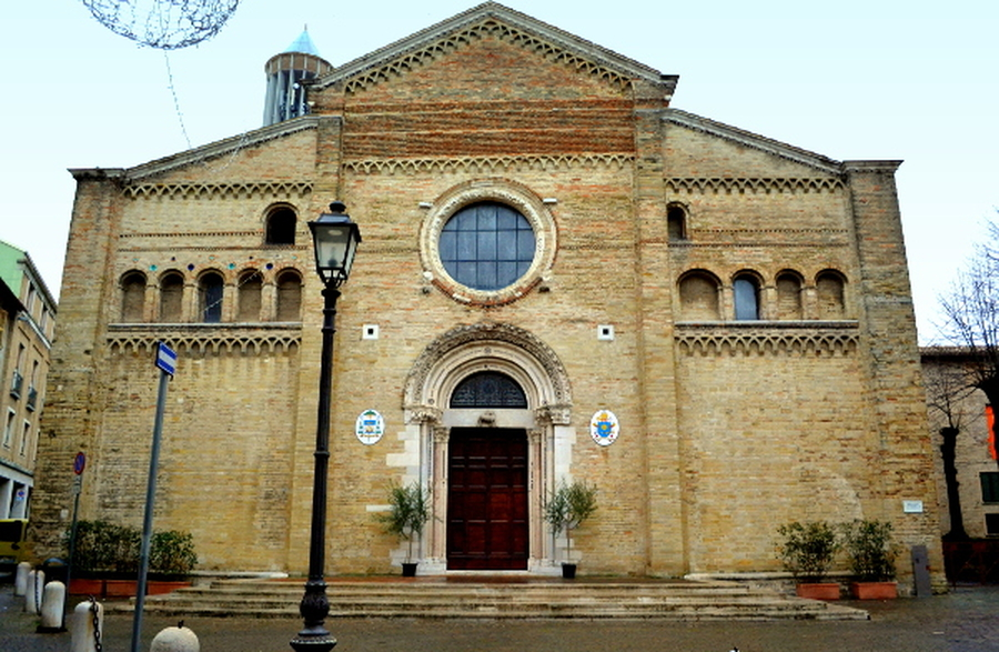 La Chiesa cattedrale dedicata all'Assunta - foto Roberta Pascucci