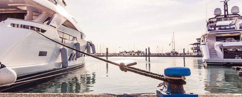 Vacanze finite? Ormeggia la tua barca in un porto sicuro in una città vivace tutto l'anno!